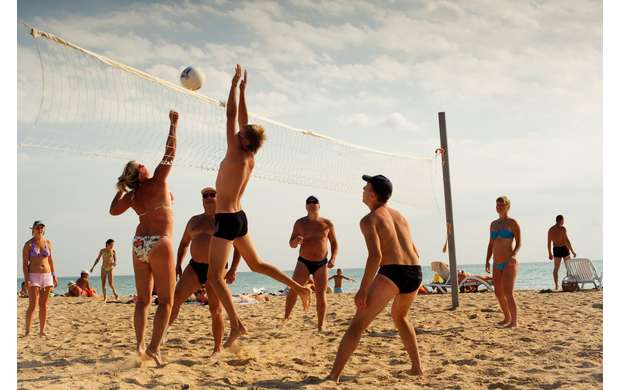 Beach volleyball – take a rest with benefit for your health and figure